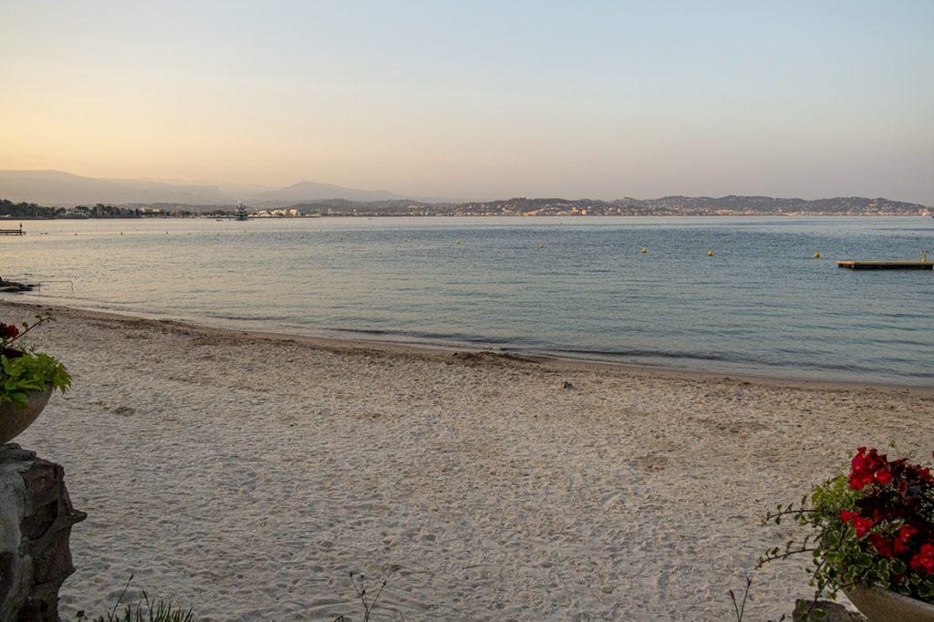 entdecke mit Your local Hero traumhafte Strände an der Côte d'Azur